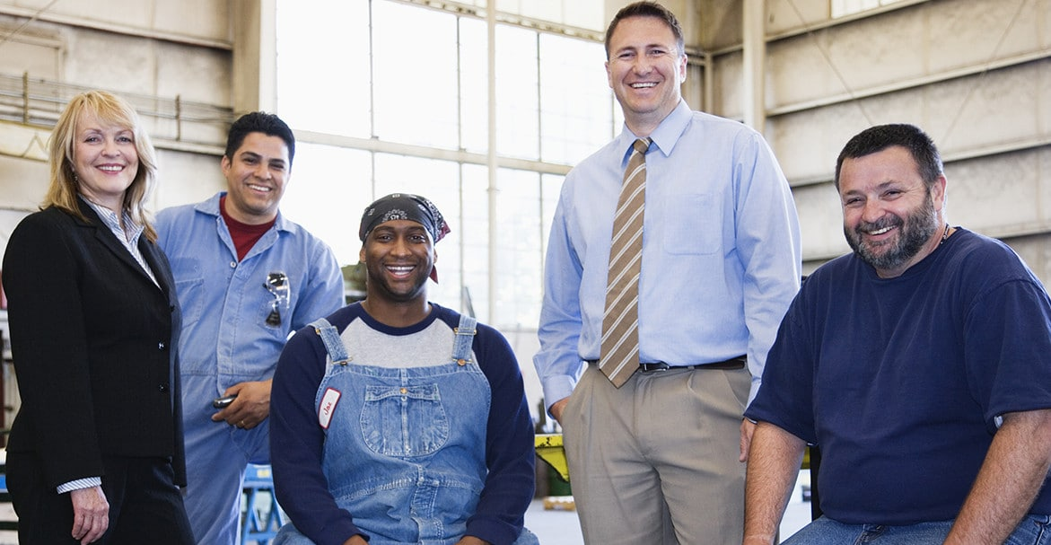 Motivating Blue Collar Employees – Using the Right Rewards and Recognition System