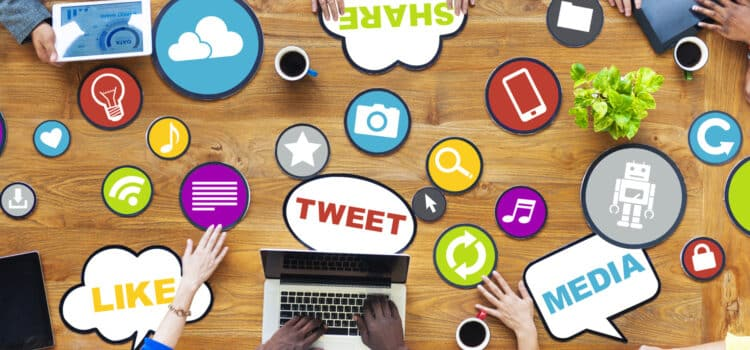 Effective ways of using social media at workplace to improve communication between employees
